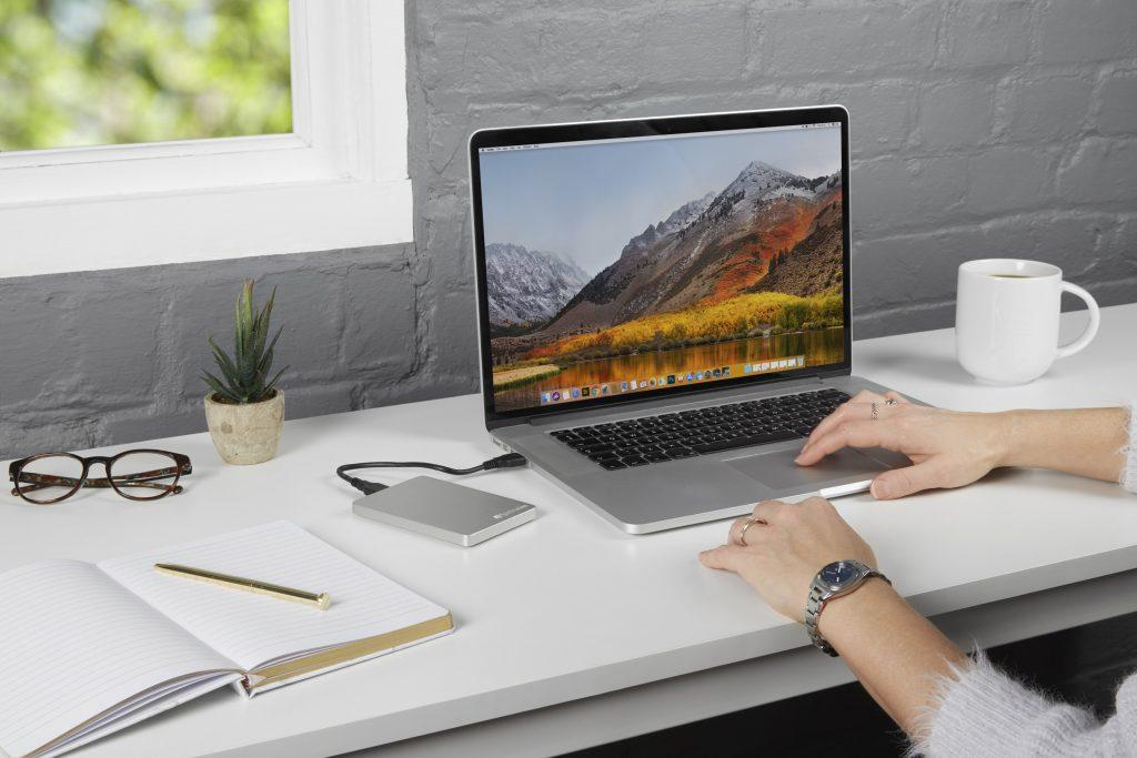 Verbatim prezentuje smukły i stylowy przenośny dysk twardy dla użytkowników komputerów MAC oraz PC